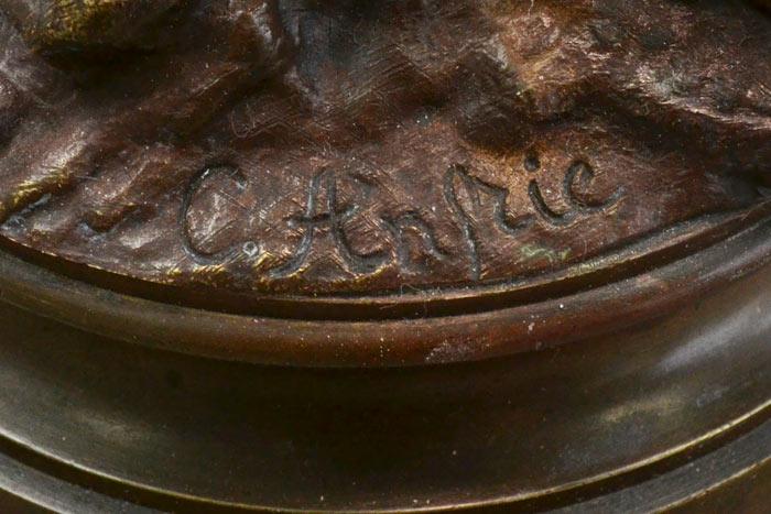La signature du bronze de Charles Anfrie
