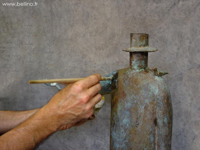 retouche sur la sculpture de folon