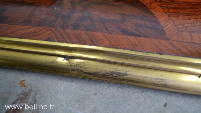 Détail de la moulure en bronze