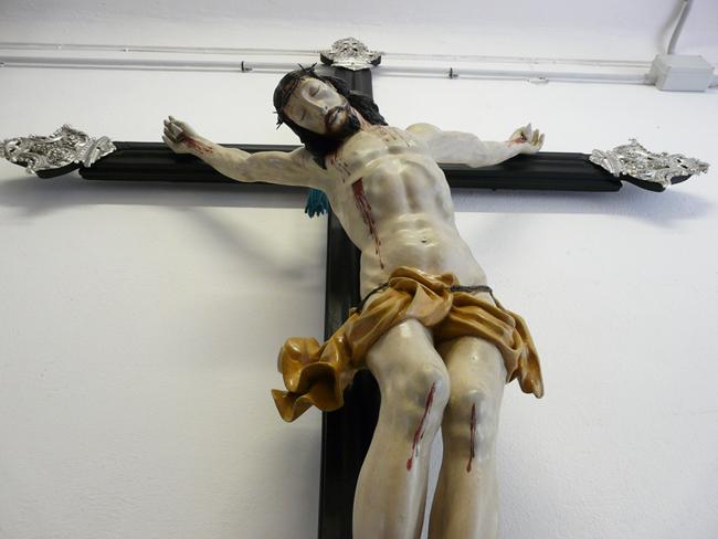 Le crucifix de la confrerie après restauration